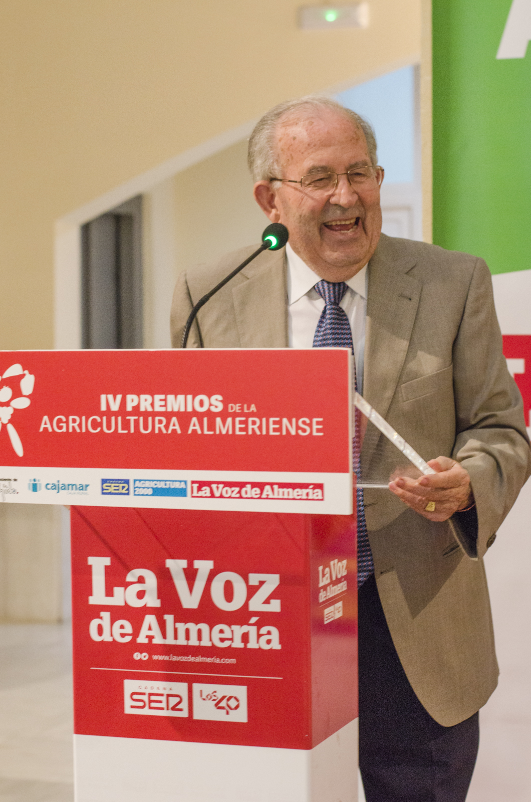 Don Lorenzo Belmonte premiado por su compromiso tecnológico en los Premios de la Agricultura Almeriense