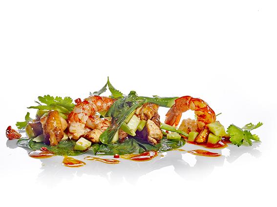 Salteado de Pac Kai Lan con pollo y gambas