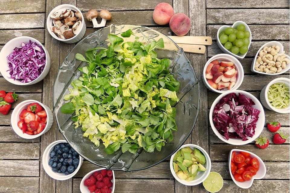 Siete ideas de ensaladas refrescantes para el verano