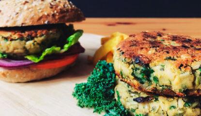 Hamburguesa vegana de kale y garbanzos